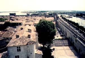 Takhle vypadá město při pohledu z předsunuté věže