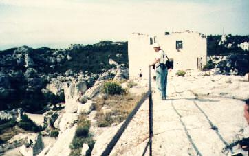 Donjon; na terase horního hradu