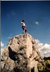 Takhle to vypadá, když si Gábina osedlala splašený menhir nedaleko Plarnelu