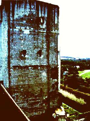 Donjon v Loches - 37m na výšku