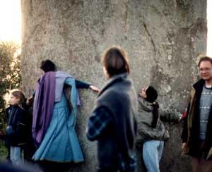 Menhir Zátka od Pekla má na výšku trochu přes 10m